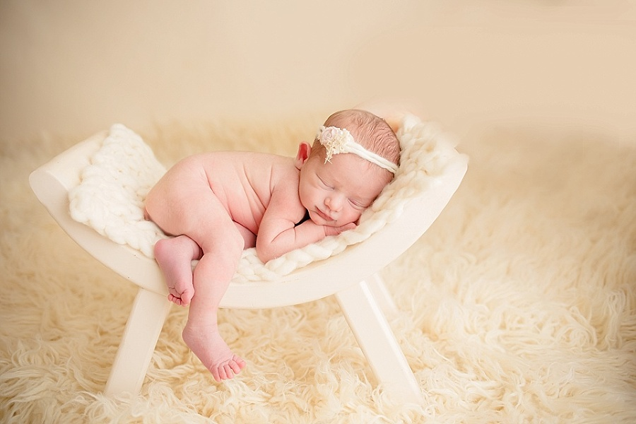 Click here to find out more about pricing and options for your maternity newborn portraits