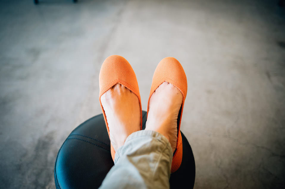 Rothys, flats, shop for flats, eco-friendly shoes, are rothys worth it, shoes for wedding photographers, what do you wear to photograph a wedding
